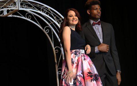 Slideshow: 2017 prom fashion show