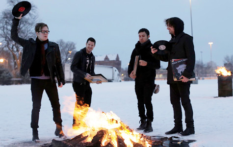 Review: Fall Out Boy returns like 'The Phoenix'