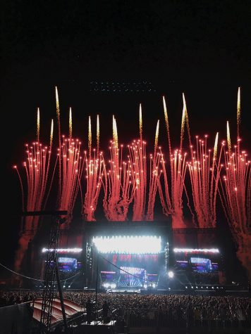 Review: Taylor Swift 'Enchanted' crowd