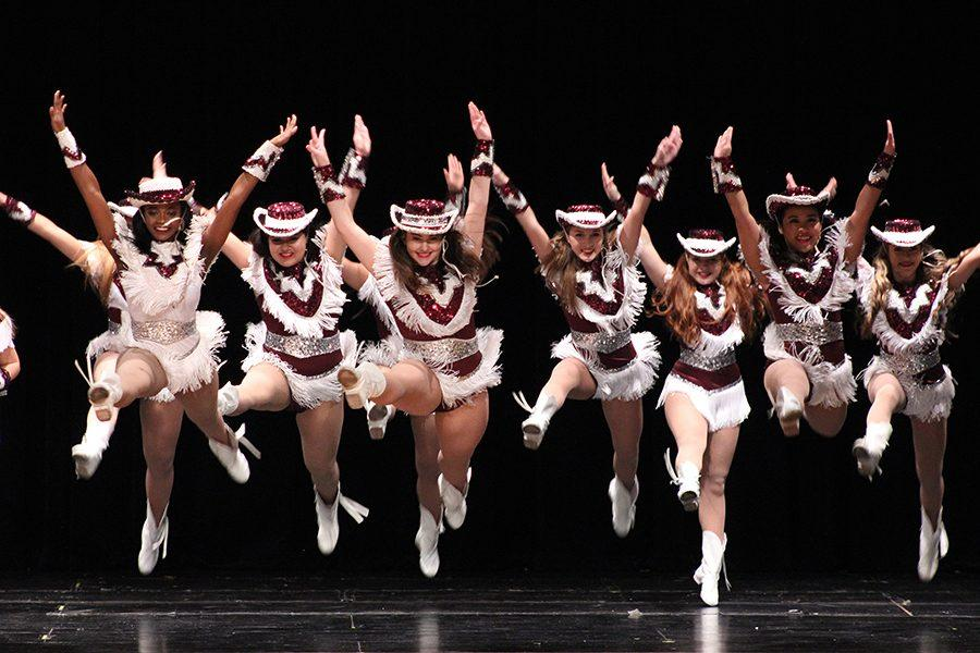 The Famerettes end the show on a good note with their dance routine to