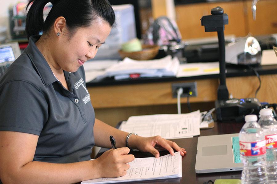 Physics teacher recalls life in Phillippines