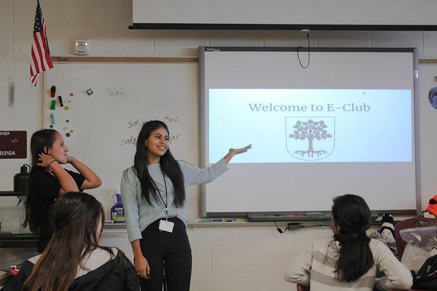 President Jacqueline Hernandez and vice president Jennifer Saldivar welcome members to the environmental club on Tuesday, August 28.