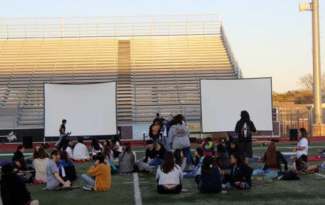 StuCo hosts district-wide movie night