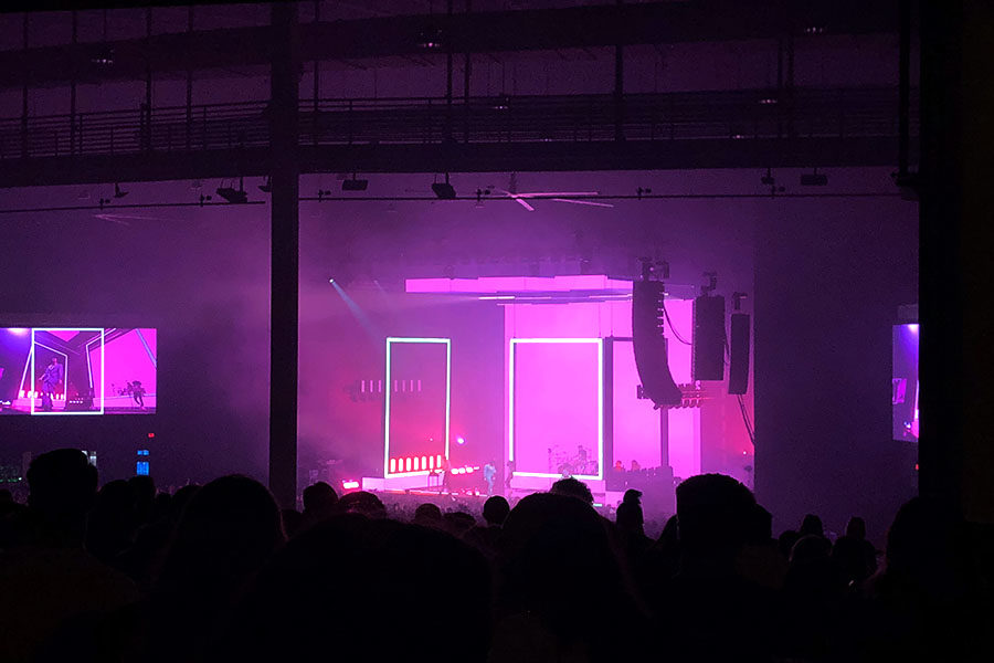Review: The 1975 provides engaging concert experience