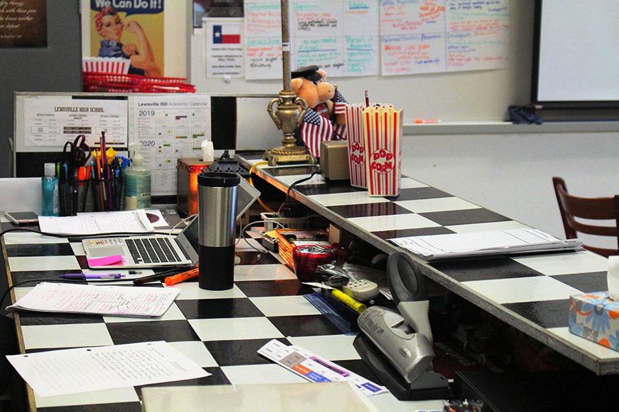 Alexander%27s+unconventional+checkerboard+desk+pulls+together+her+diner+room.
