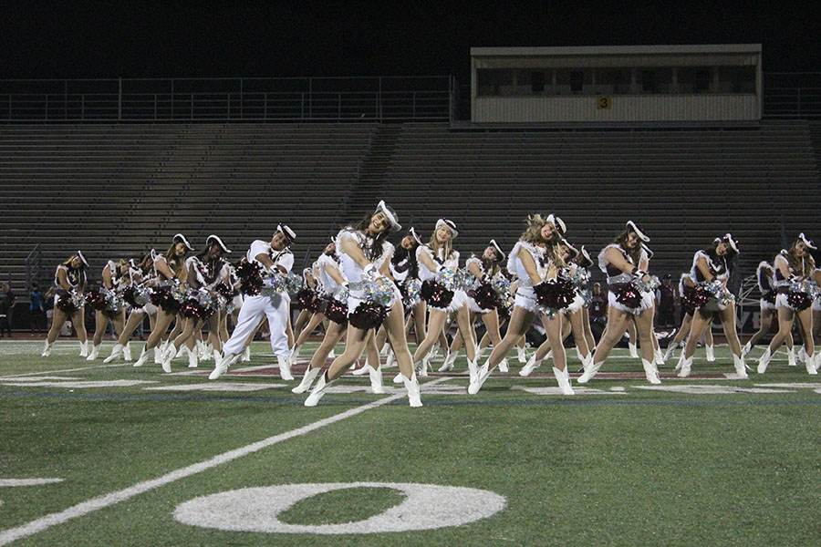 The+Farmerettes+perform+during+the+pep+rally.